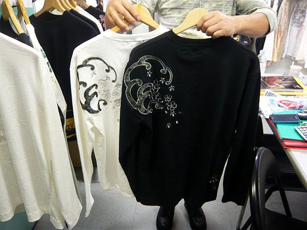絡繰魂 桜アップリケ和柄ロングTシャツ