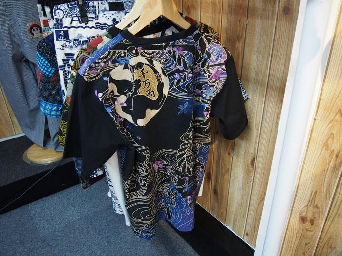 猫に小判和柄Tシャツ
