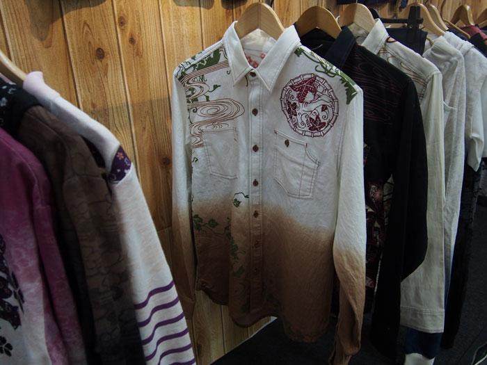猫桜和柄長袖シャツ