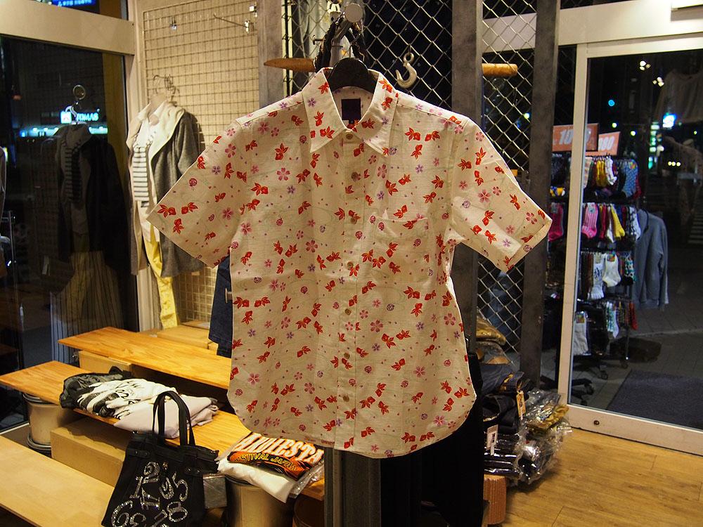 金魚 和柄半袖シャツ